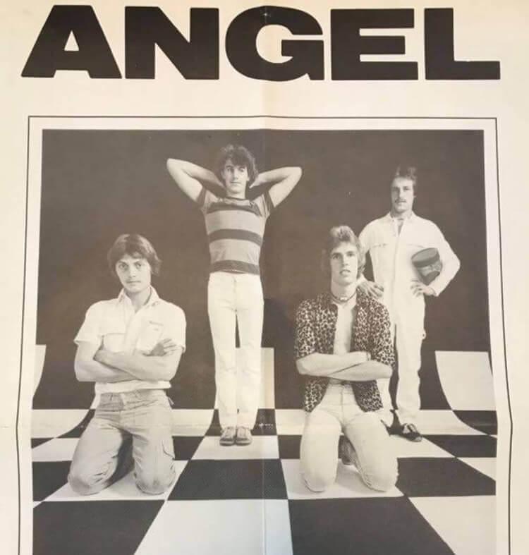 Angel: Begyndelsen på KOMO